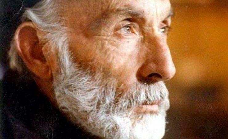 Μάνος Κατράκης: Πάρε λίγο φως από τον ήλιο, λίγα λουλούδια, λίγα κελαηδήματα πουλιών…